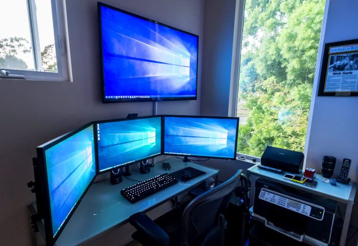desk for 3 monitors